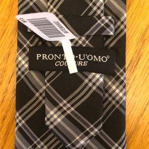 Pronto Uomo Silk Tie NWT Black Checks Plaid Design